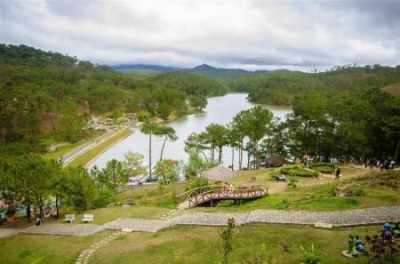 Valley of Love - A 5.47 km de l'allotjament Crazy  House Dalat