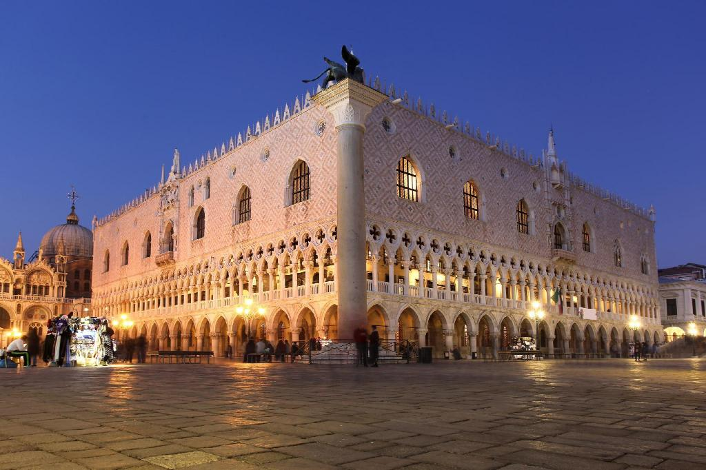 Doges' Palace - 580 متر من العقار Ca' Lauretta