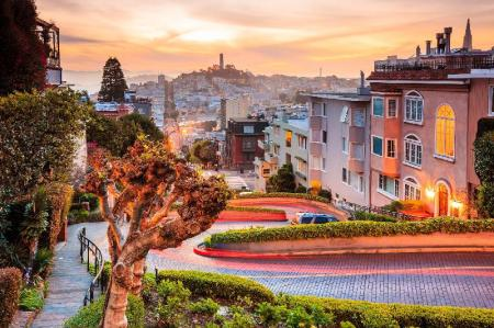 Lombard Street - 340 m from property Travelodge by Wyndham by Fisherman's Wharf