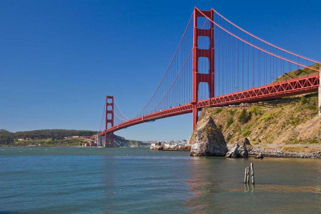 Golden Gate Bridge - 6.47 km from property The Lodge at Tiburon