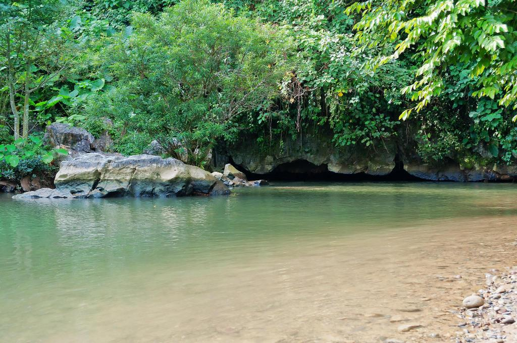 Tham Nam (Water cave) - 6.05 km from property
