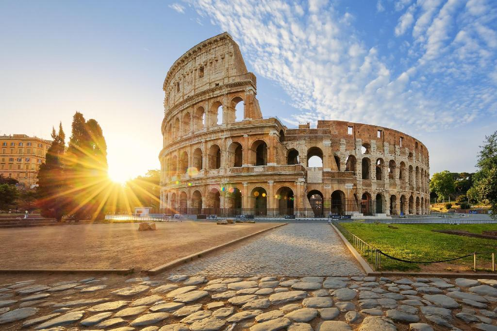 Colosseum - 1.44 km from property