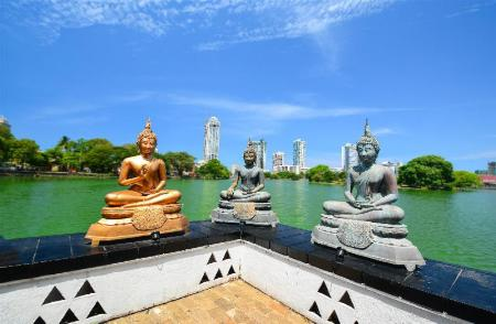 Gangaramaya (Vihara) Buddhist Temple - 1.72 km from property Yoho ACA B and B