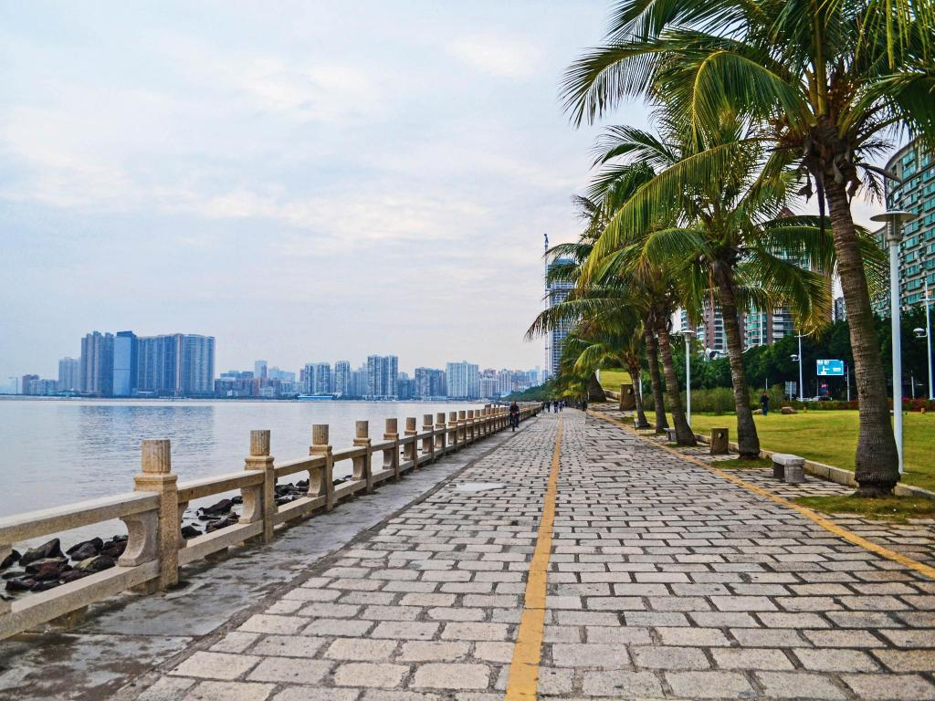 Zhuhai Lovers' Road - 7.61 km from property A Apartment (Zhuhai Yundinglanshan)