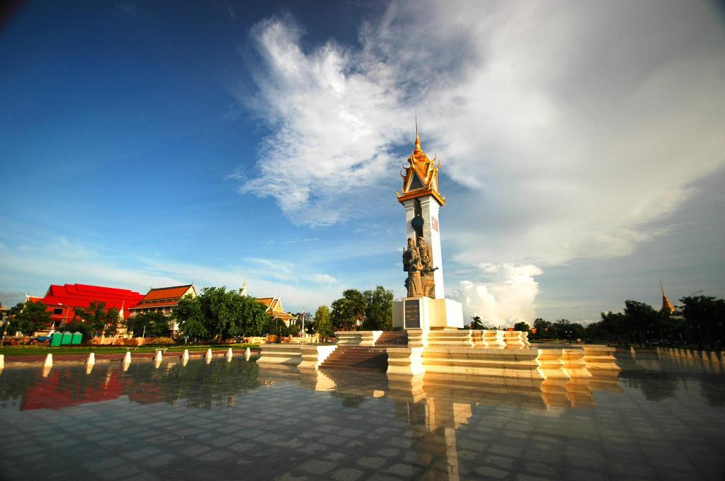 Cambodia-Vietnam Friendship Monument - 9.19 km from property Mlop Leap Guesthouse