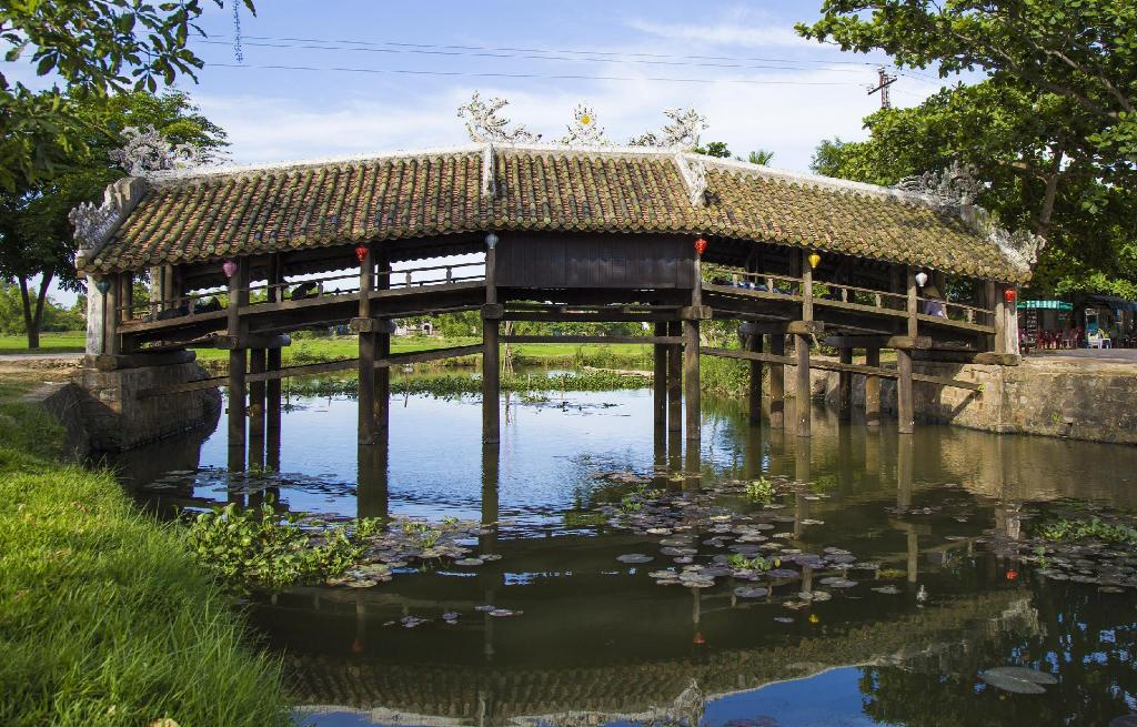 Thanh Toan Bridge - 2.09 km from property HOTEL LA PERLE