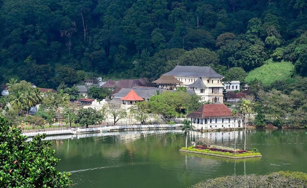 Royal Palace of Kandy - 9.67 km från boendet