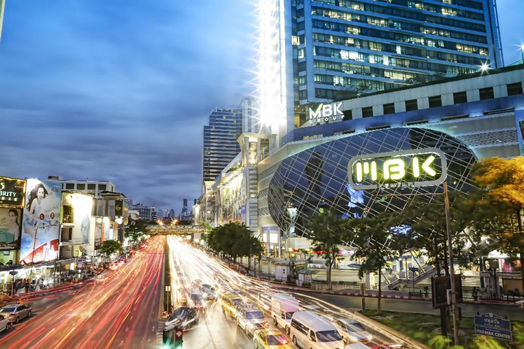 MBK Shopping Center - 7.92 km from property Zenith Place Condominium