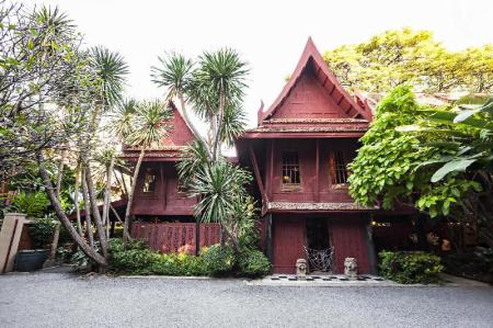 The Jim Thompson House - 2.4 km from property Alameda Suites Hotel