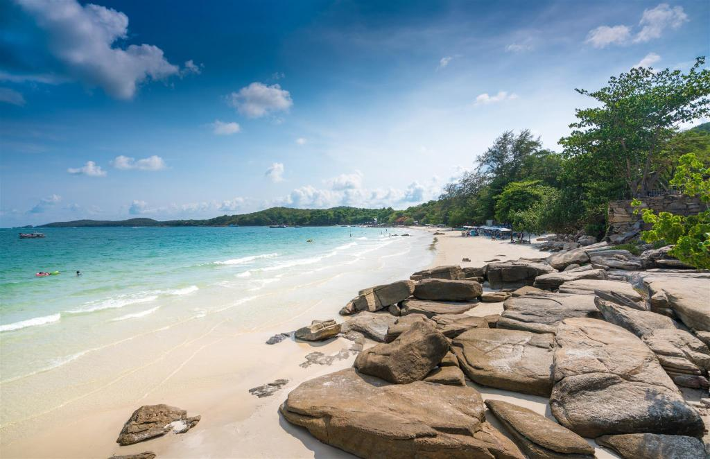 Sai Kaew Beach - 320 m from property Ban Rak Samed Hotel