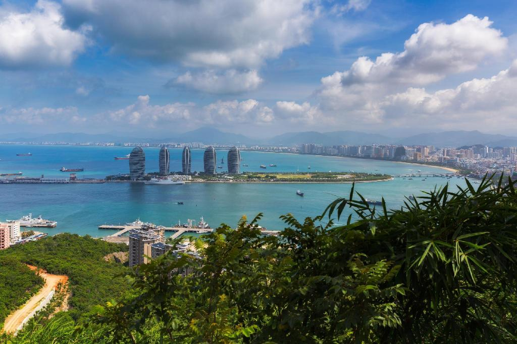 Sanya Bay - 6.73 km from property Four Season Ocean Courtyard Hotel