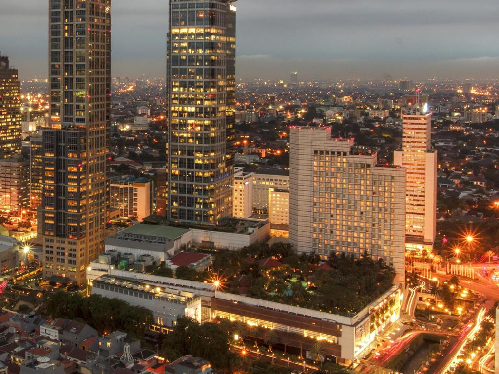 Plaza Indonesia - 3.31 km van de accommodatie Griya Kuningan Double Room 2