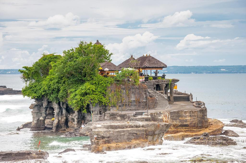 Tanah Lot tempel - 7,49 km fra eiendommen Flying Bird Villa