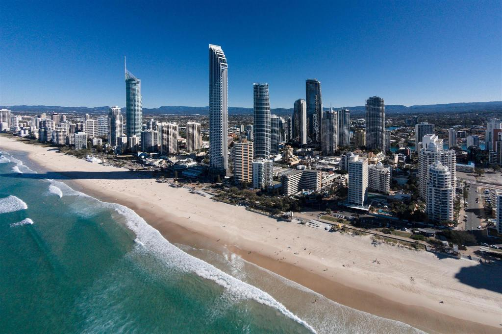 Surfers Paradise - 4.76 km from property Summer Waters