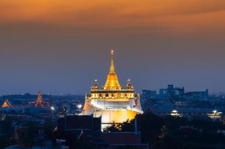 Wat Saket - 500 m from property Alameda Suites Hotel