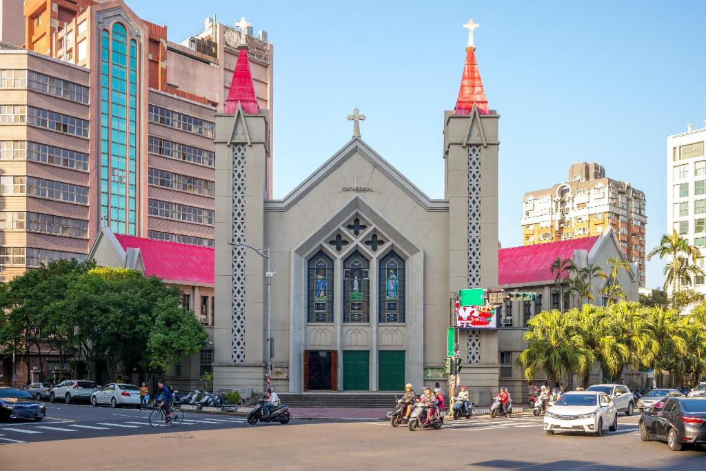 Beida Church - 880 m from property Tong Bing Express Inn Hotel