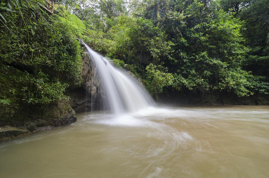 Parit Water Fall - 3.09 km from property