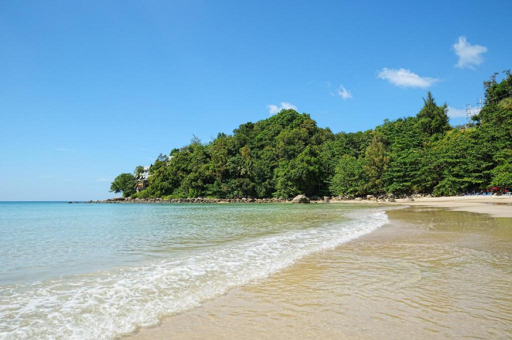 Kamala Beach - 6 km from property