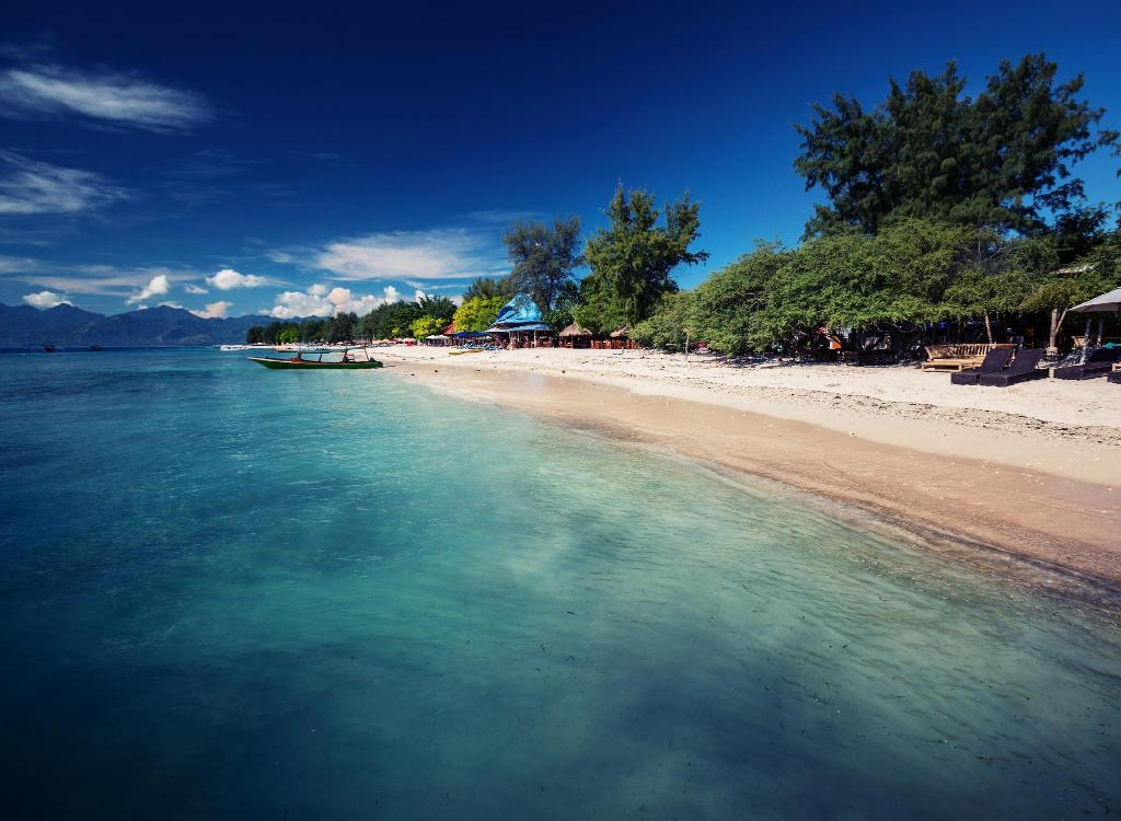 Gili Trawangan - 360 m from property Family Room