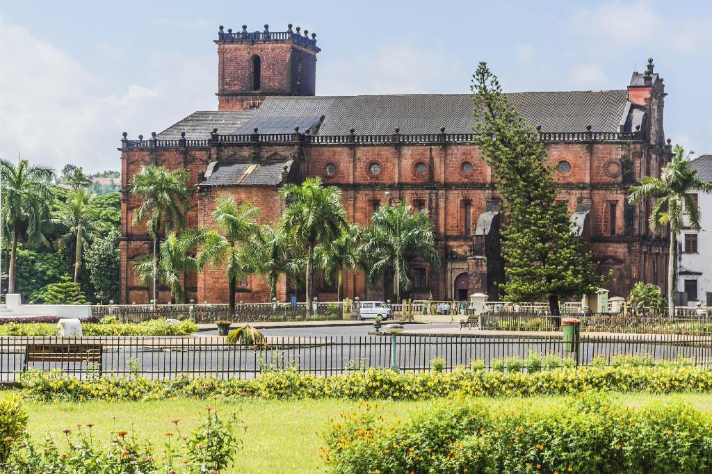 "Basilica of Bom Jesus - 8.49 ק""מ ממקום האירוח OYO Rooms Old Patto Bridge Panjim"