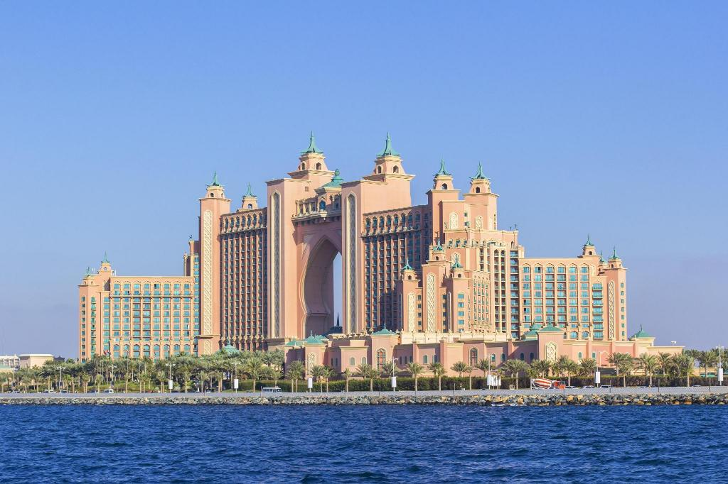 Atlantis 6 49 Km From Property Doubletree By Hilton Hotel Dubai Jumeirah Beach