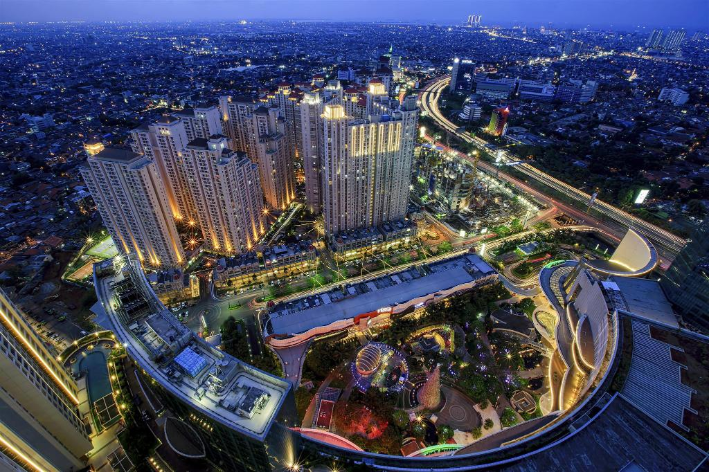 Central Park - 3.5 km od namestitve LeGreen Suite Senayan