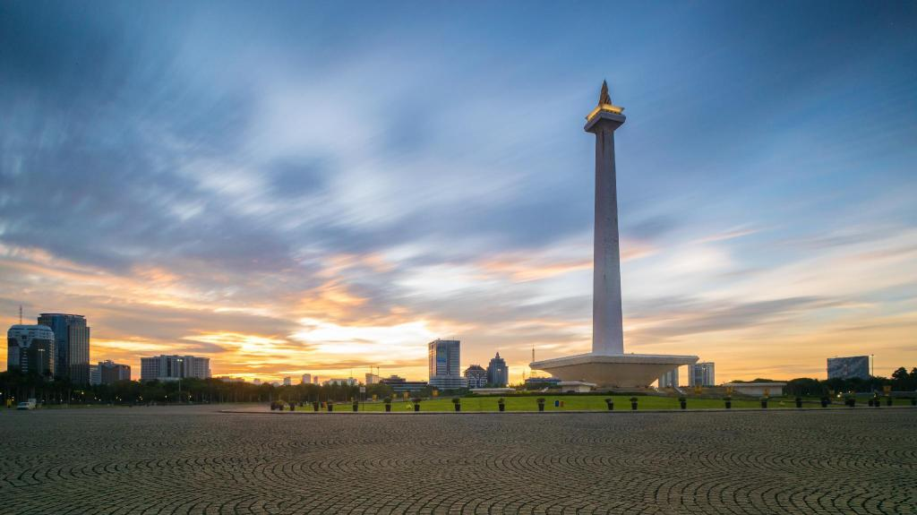 Monas (Monument Nasional/National Monument) - 10.37 km from property 2BR Emerald Apartment Gading Nias - Pelita  6