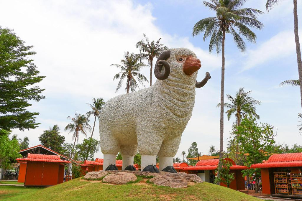 Swiss Sheep Farm Pattaya - 5.35 km from property