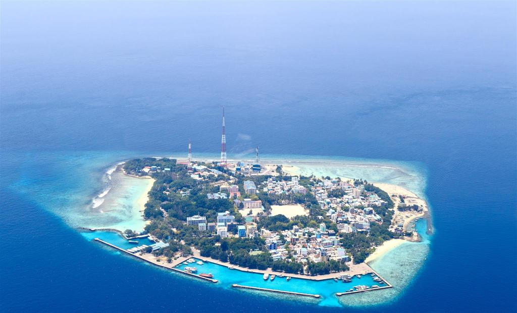 Villingili Island - 8.34 km from property