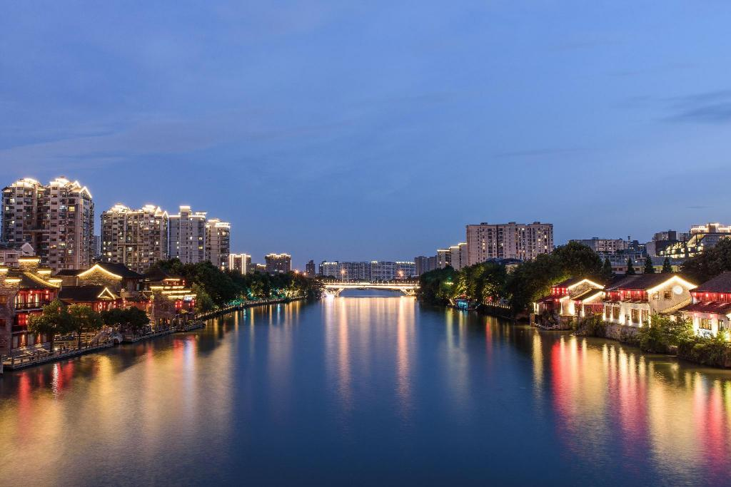 Grand Canal - 1.77 km from property 7 days Inn Hangzhou North Bus Station Wanda Plaza Branch
