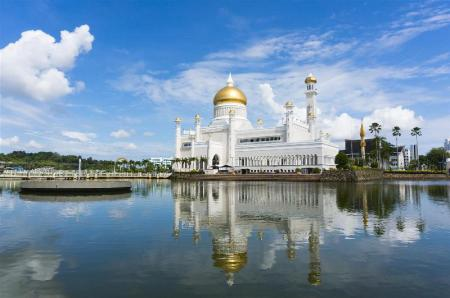 Istana Nurul Iman - 3.31 km from property The Brunei Hotel