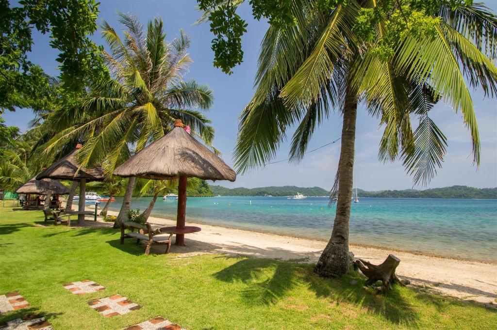 Sabang Beach - 150 m from property Mermaid Resort
