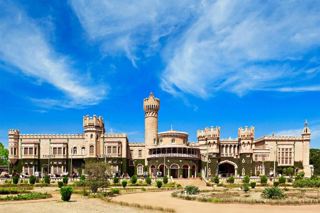 Bangalore Palace - 3,04 km. fra ejendommen Hotel The Kings 10