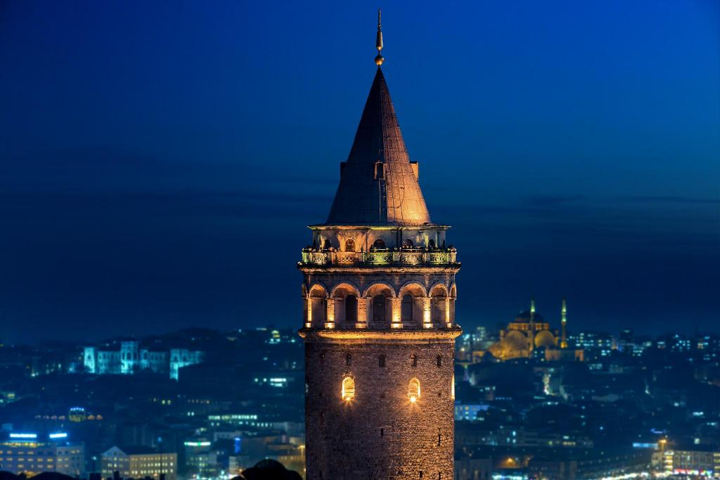 Galata Tower - 1.55 km from property
