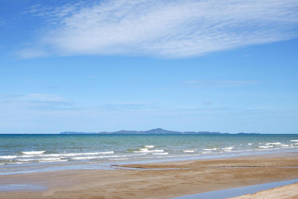 Jomtien Beach - 9.02 km from property