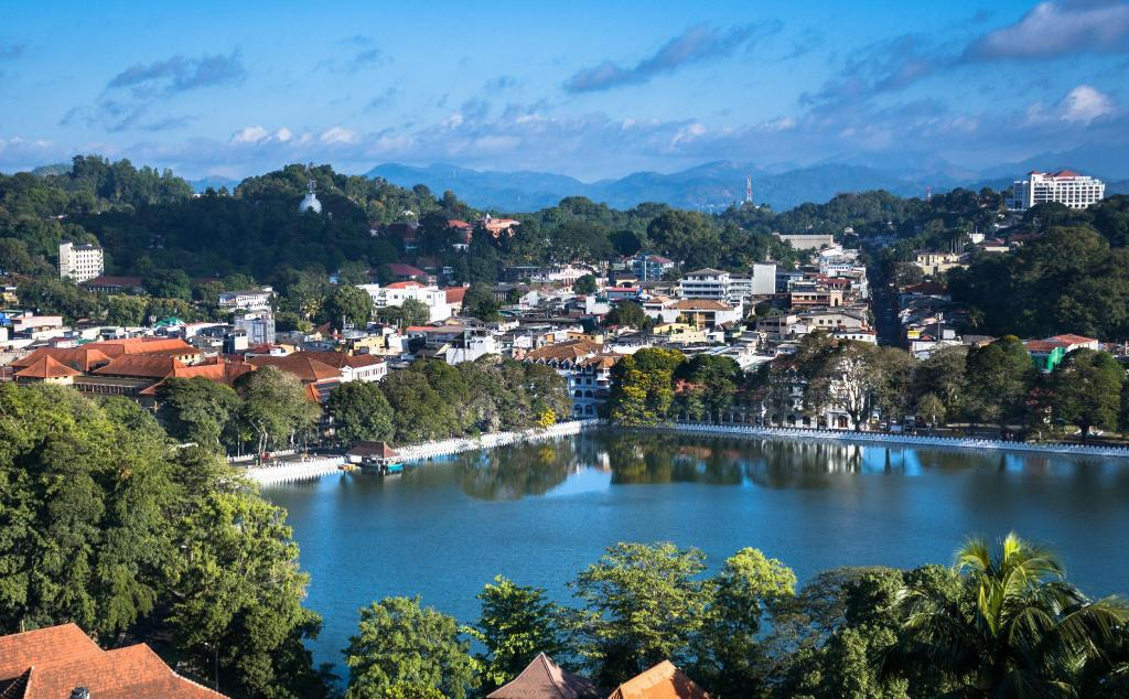 Kandy Lake - 2.5 km from property Richmond Valley Residence