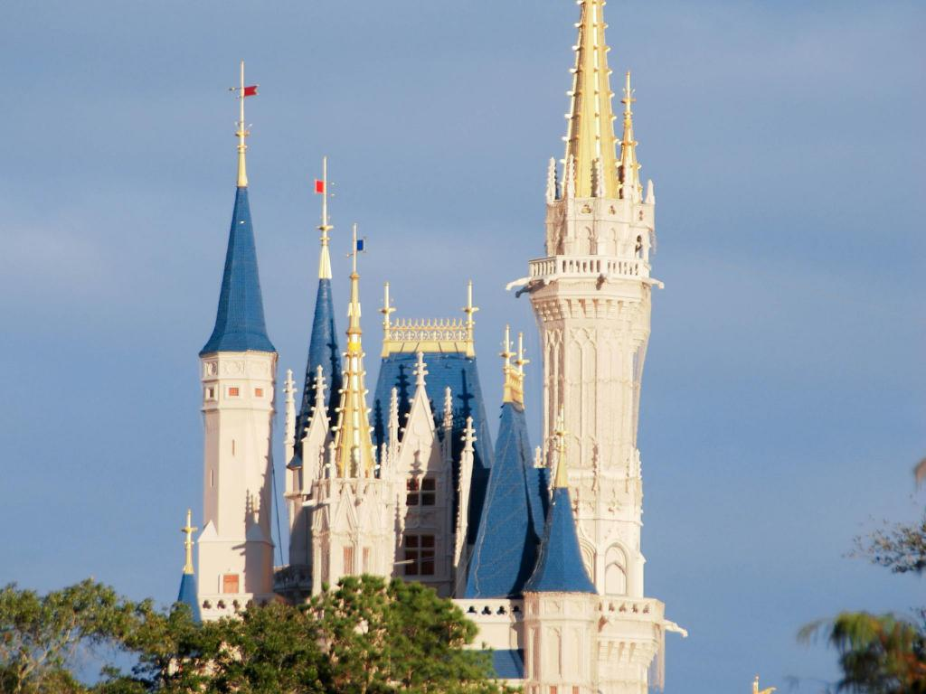 "Magic Kingdom - 9.05 ק""מ ממקום האירוח Fairfield Inn & Suites Orlando Lake Buena Vista in the Marriott Village"