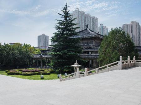 Shaanxi History Museum - 3.22 km from property DJMT Universal Guest House