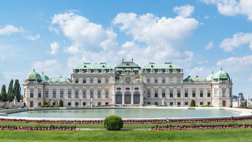 Belvedere Palace - 1.12 km from property Blechturm Deluxe