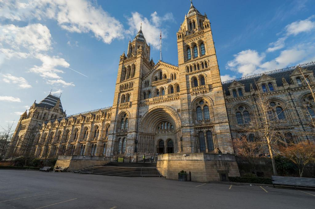 Natural History Museum - 2.06 km from property Linden House Hotel