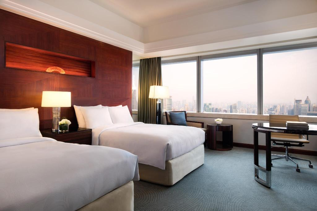 Deluxe - Guestroom JW Marriott Hotel Shanghai at Tomorrow Square