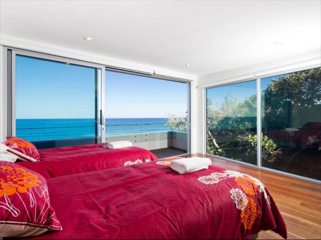 Four-Bedroom Holiday Home - Bed 28 Park Crescent