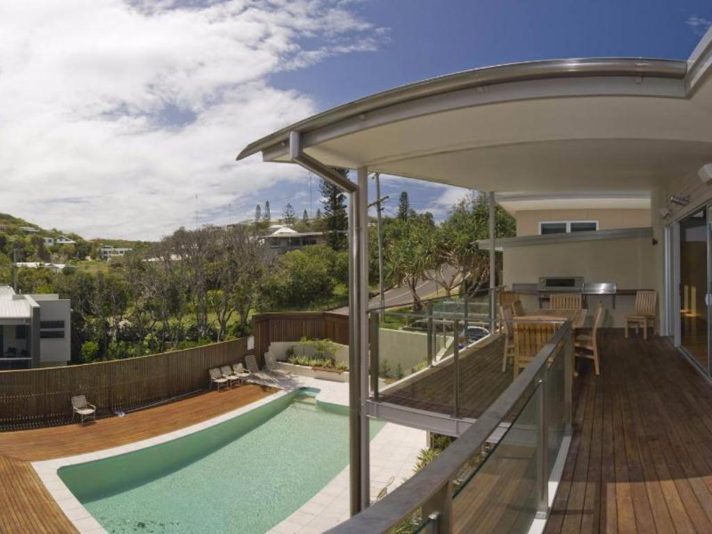 Five-Bedroom Holiday Home - Pool 38 Seaview Terrace