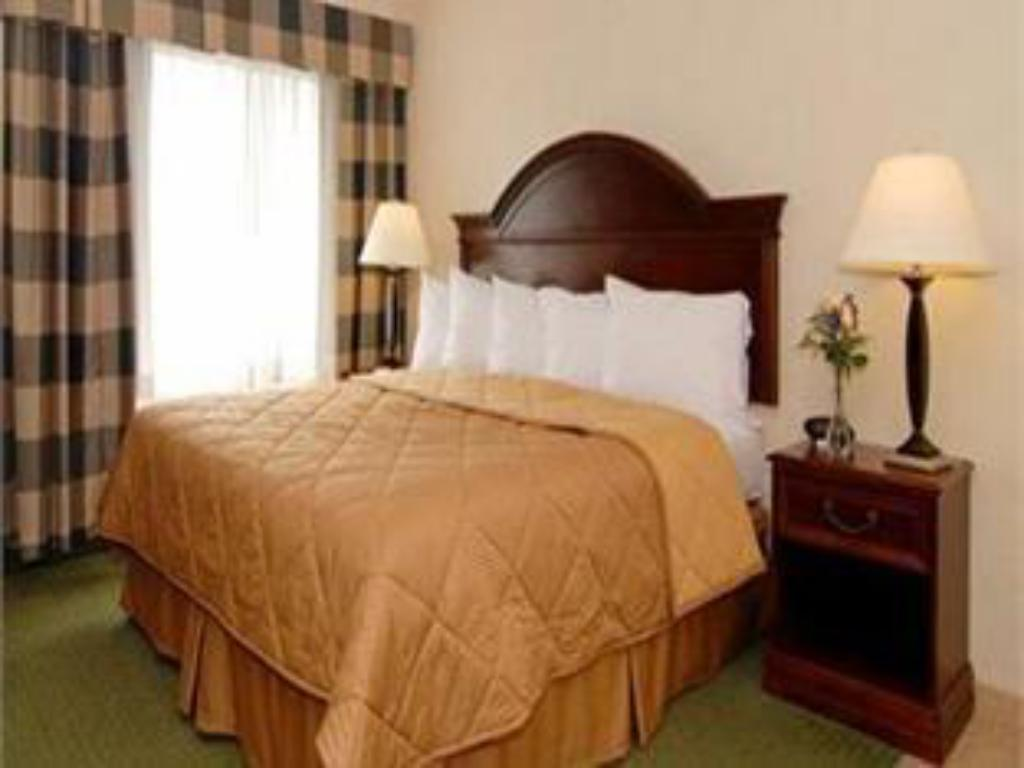 King Room - Smoking Comfort Inn East Windsor - Springfield