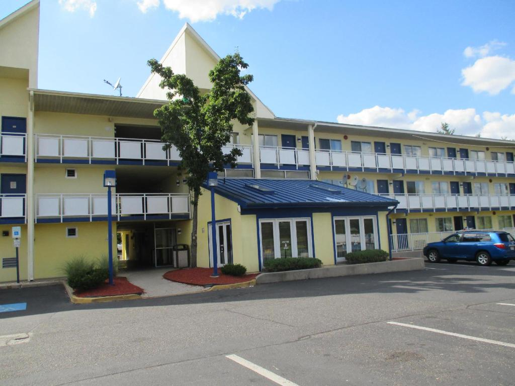 More about Motel 6 Brooklawn