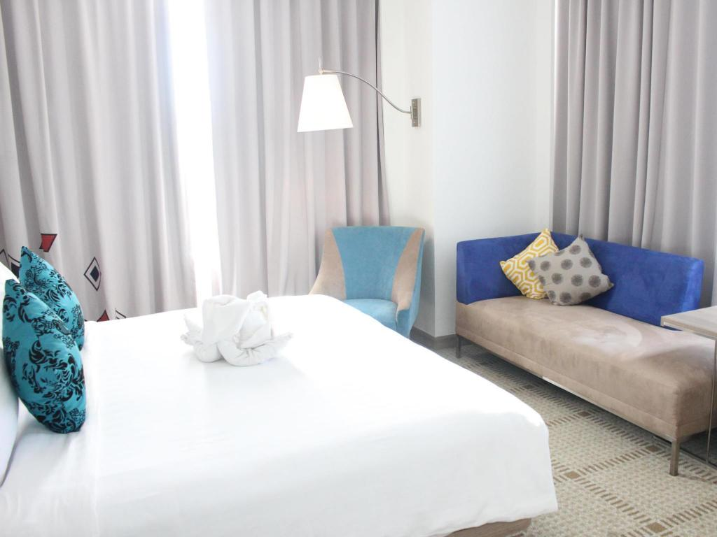 Superior Double - Bed Novotel Makassar Grand Shayla Hotel