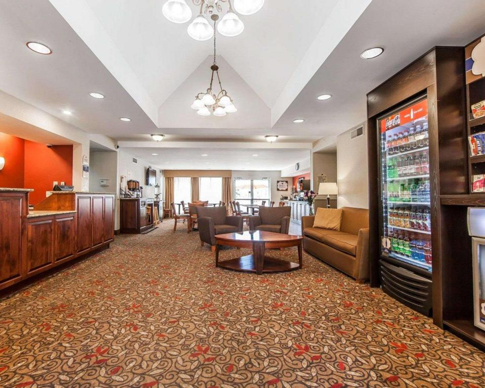 Lobi MainStay Suites Knoxville Airport
