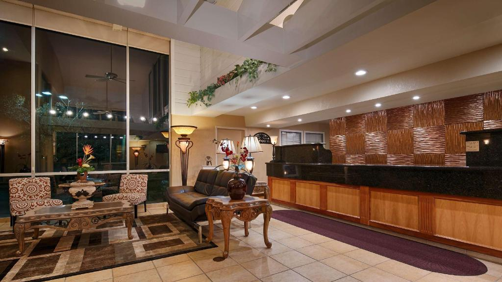 Lobby Best Western Plus Heritage Inn