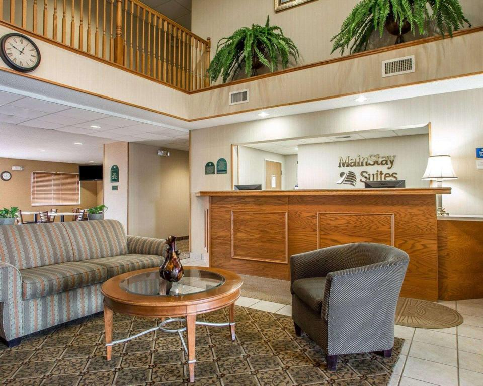 Lobby MainStay Suites (MainStay Suites Cedar Rapids)
