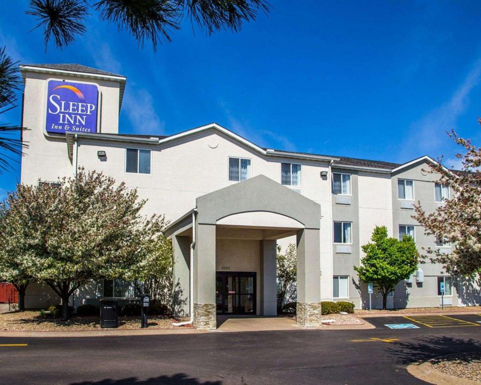Sleep Inn and Suites Davenport - Quad Cities